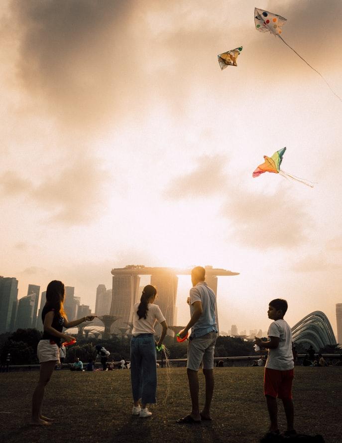 students-enjoying-Singapore-outside
